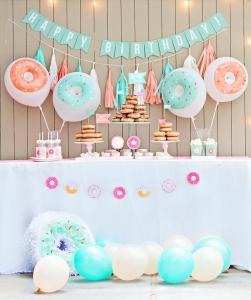 donut-dessert-table